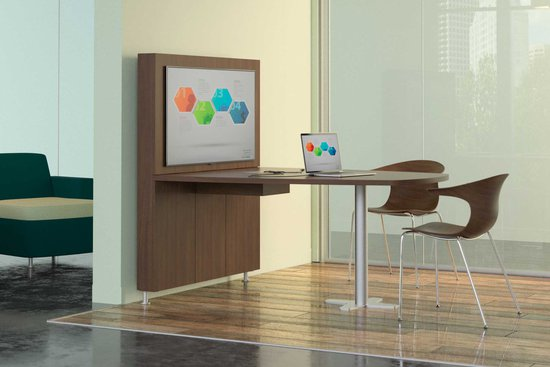 Moto media wall and runoff table with Wink seating